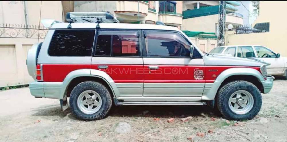 Mitsubishi Pajero 1997 Image-1