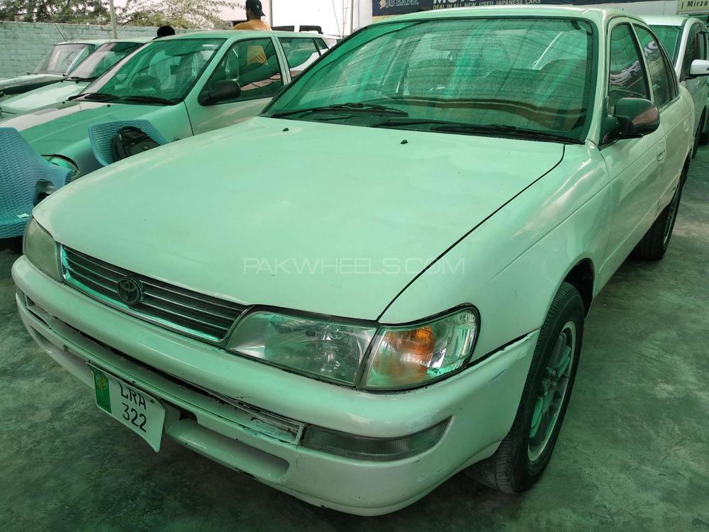 Toyota Corolla 2000 Image-1