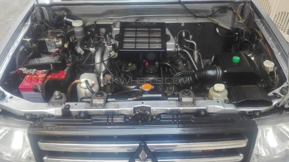 Mitsubishi Pajero Mini VR 2010 Image-1