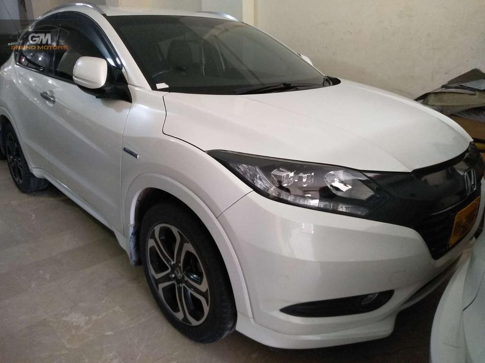 Honda Vezel X 2016 Image-1