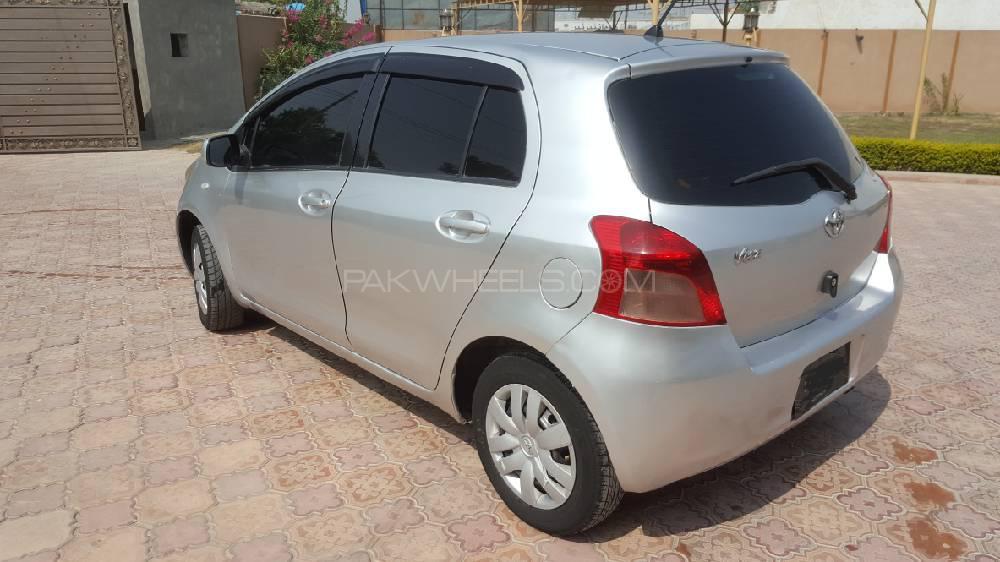 Toyota Vitz 2005 Image-1