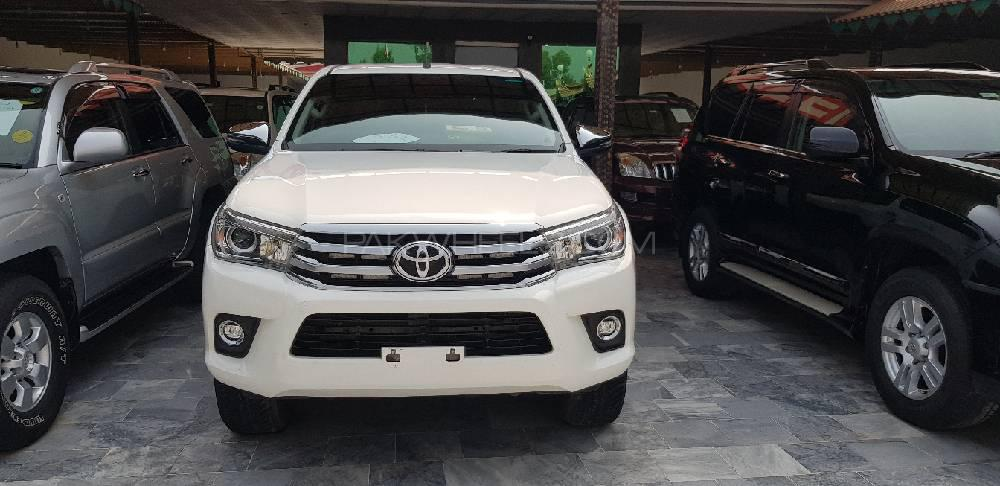 Toyota Hilux Revo G Automatic 3.0  2018 Image-1