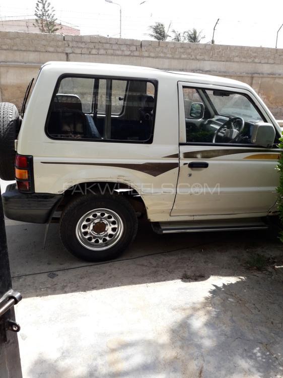 Mitsubishi Pajero Exceed 2.4 1995 Image-1