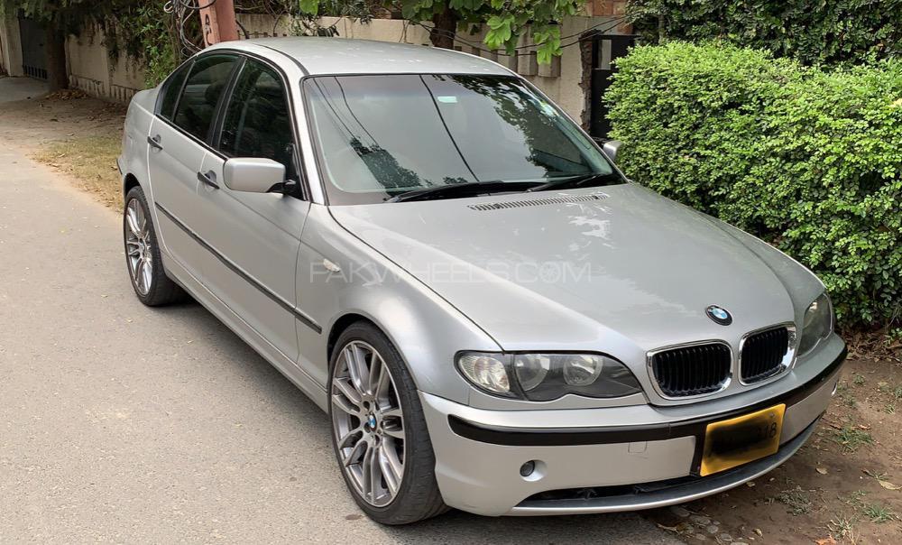 BMW 3 Series 318i 2002 Image-1