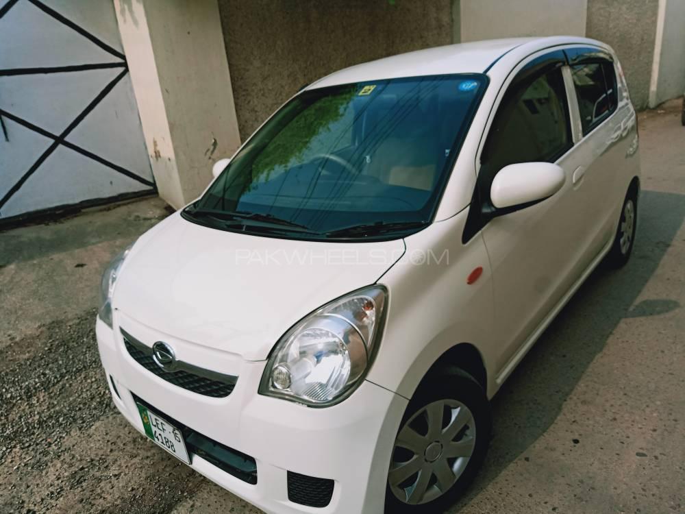 Daihatsu Mira Custom X 2012 Image-1