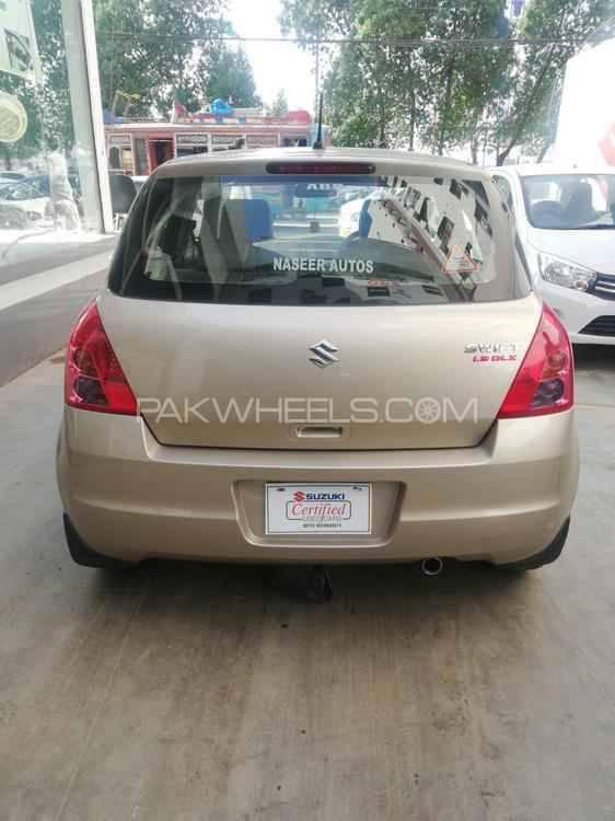 Suzuki Swift DLX 1.3 2018 Image-1