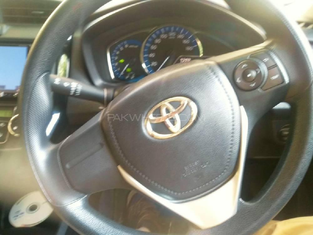 Toyota Corolla Axio Hybrid 1.5 2019 Image-1