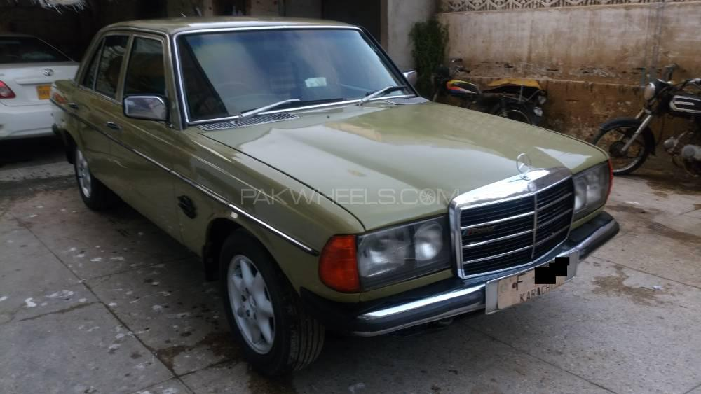 Mercedes Benz D Series 1984 Image-1