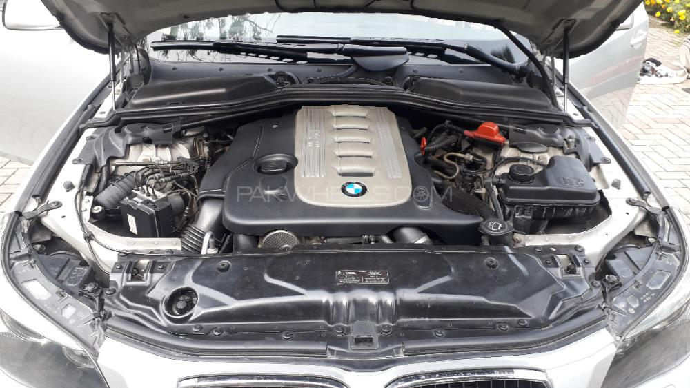 BMW 5 Series 530d 2005 Image-1