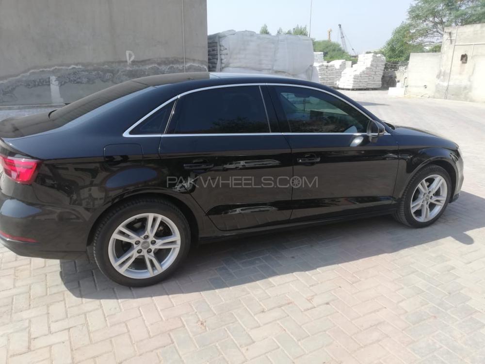 Audi A3 1.2 TFSI Exclusive Line 2018 Image-1