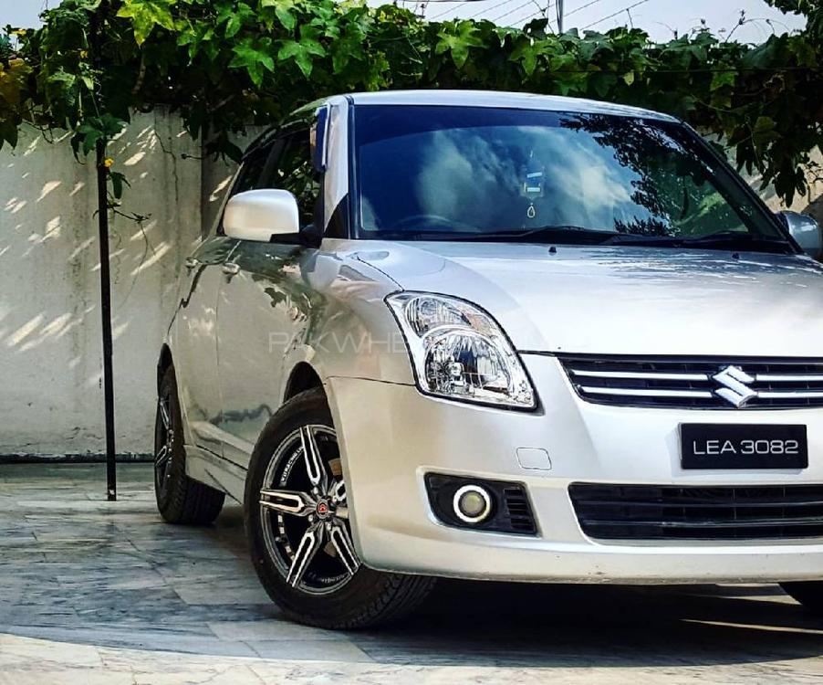 Suzuki Swift DLX 1.3 Navigation  2012 Image-1