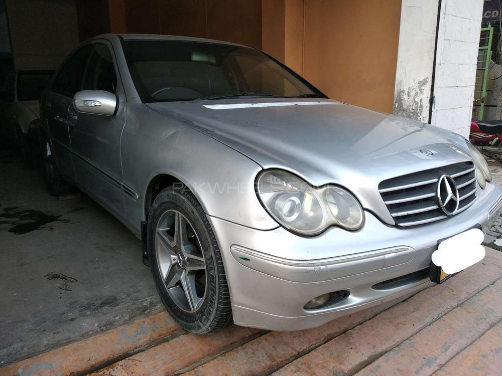 Mercedes Benz C Class C200 2001 Image-1