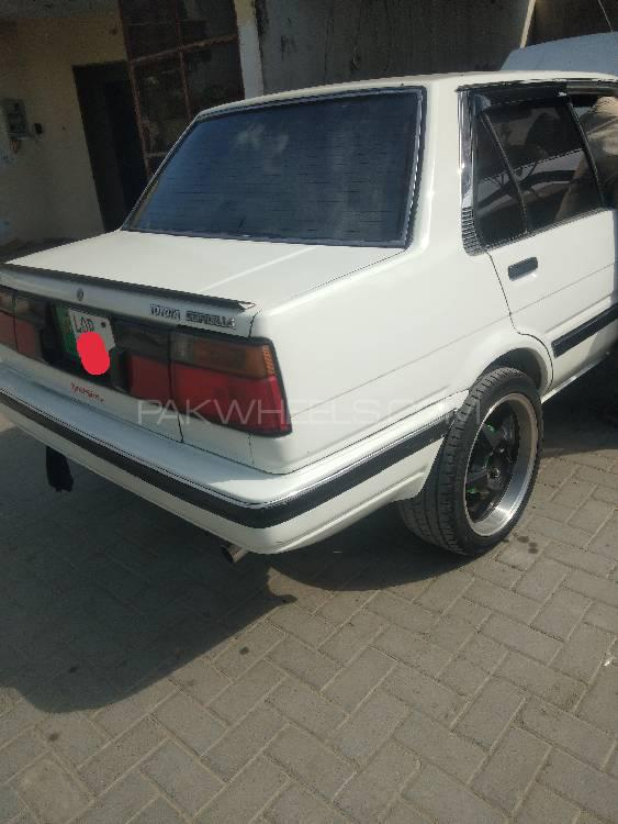 Toyota Corolla SE Saloon 1987 Image-1