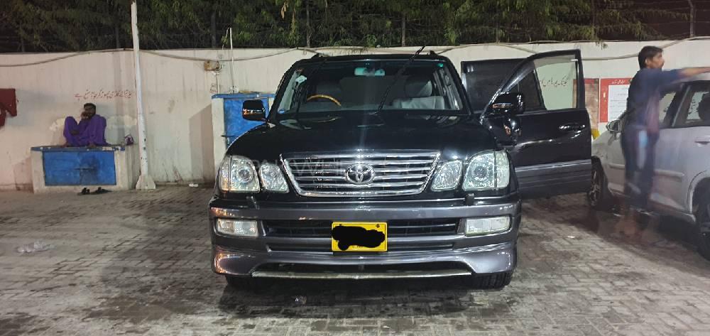 Toyota Land Cruiser Cygnus 2005 Image-1