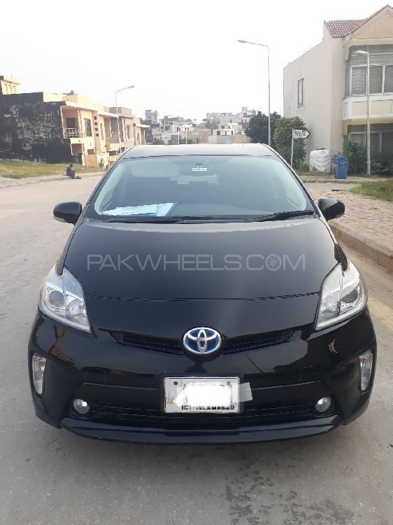Toyota Prius G LED Edition 1.8 2013 Image-1