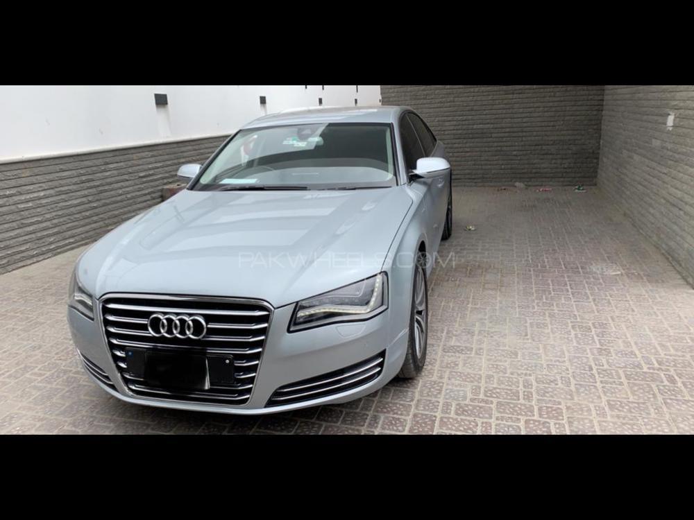 Audi A8 2013 Image-1