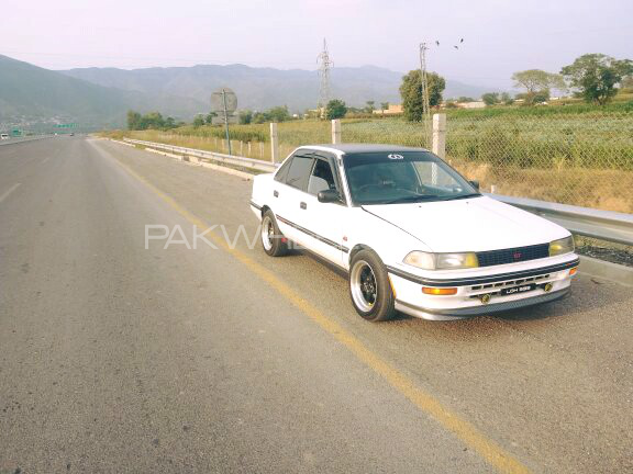 Toyota Corolla - 1991  Image-1