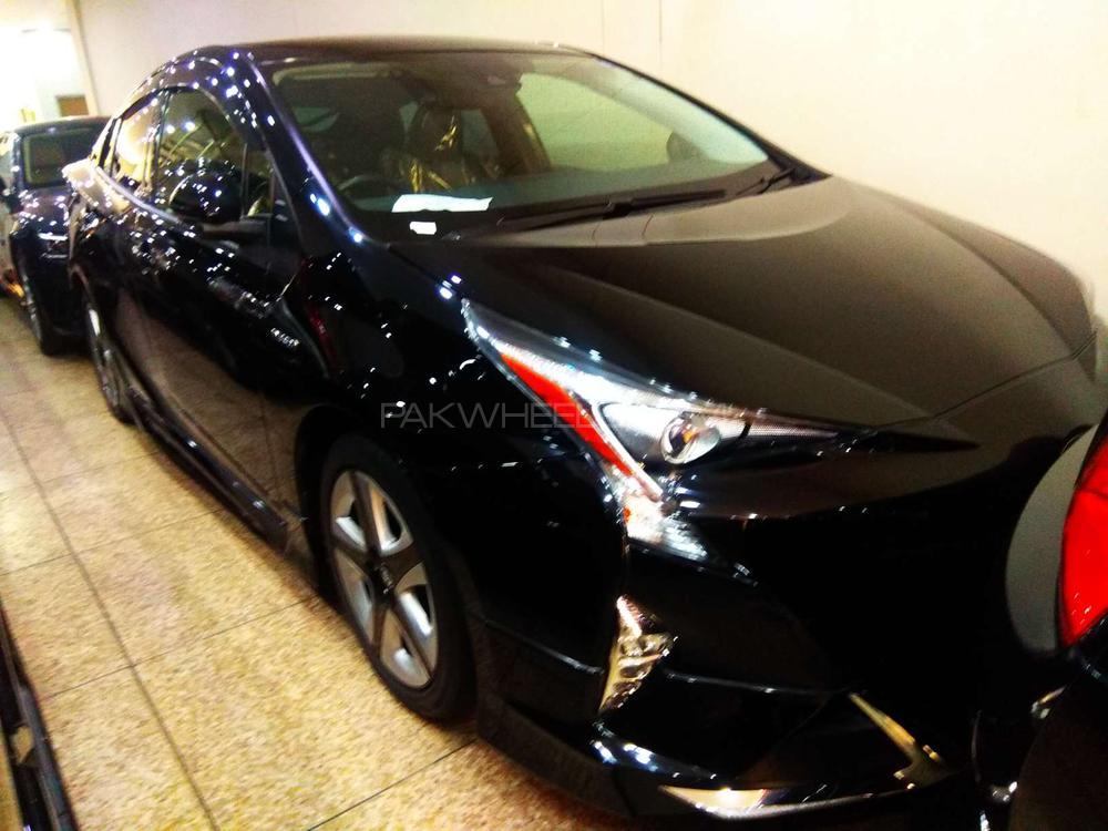 Toyota Prius 2016 Image-1