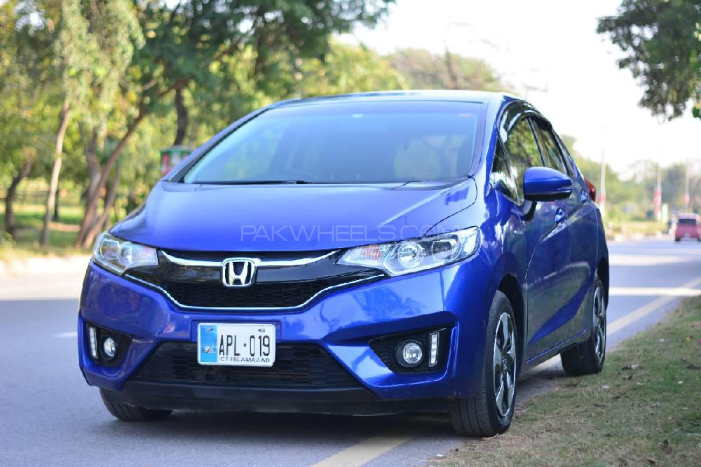 Honda Fit 1.5 Hybrid L Package 2017 Image-1