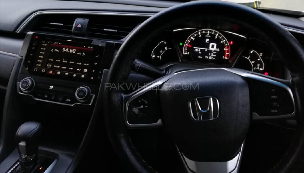 Honda Civic Oriel 1.8 i-VTEC CVT 2017 Image-1