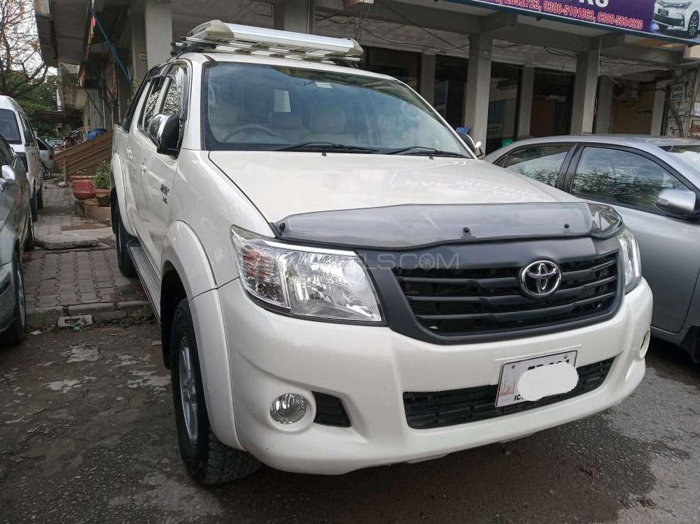 Toyota Hilux Vigo Champ V 2013 Image-1