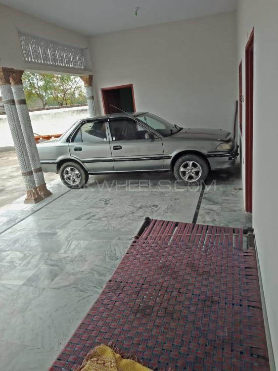 Toyota Corolla 1988 Image-1