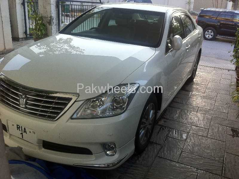 Toyota Crown Royal Saloon G 2011 Image-6