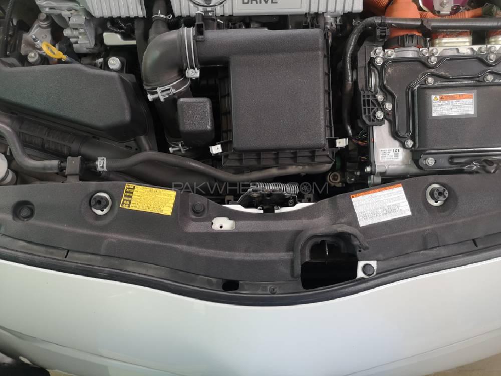 Toyota Prius S Touring Selection 1.8 2015 Image-1
