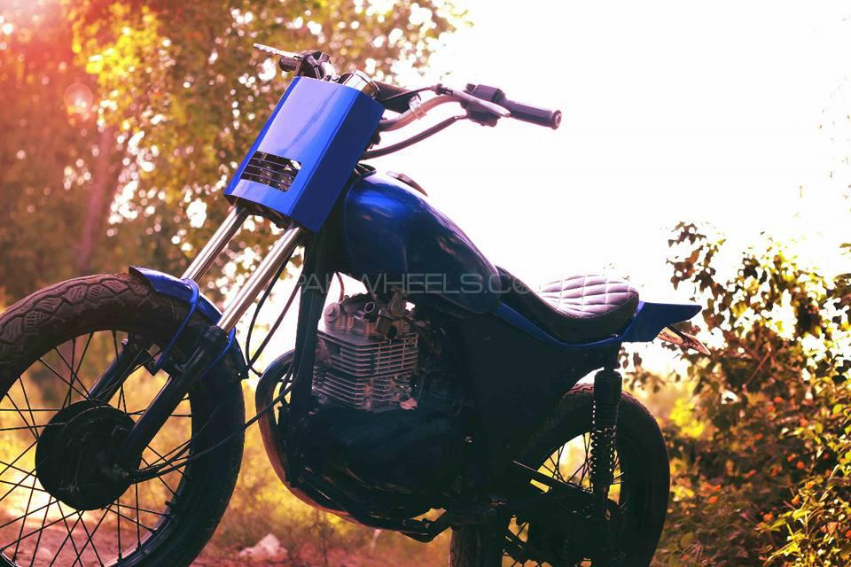 Suzuki GS 150 - 2009  Image-1
