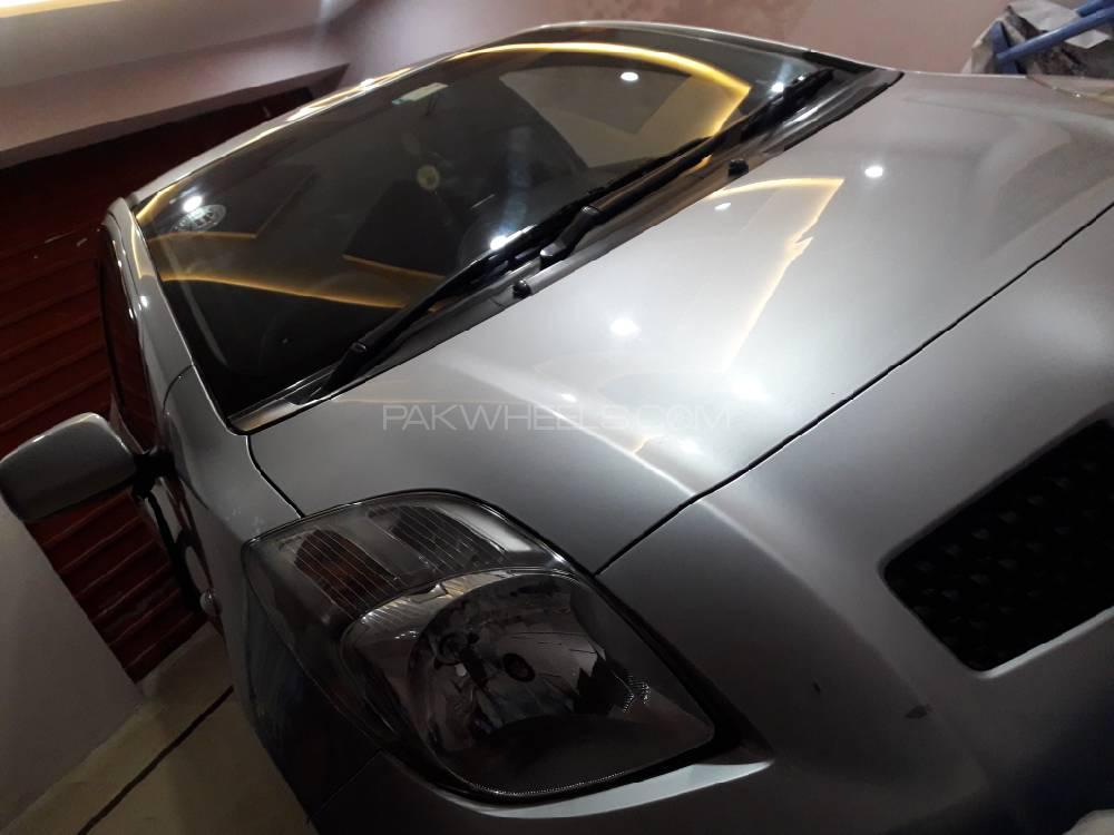 Toyota Vitz B Intelligent Package 1.0 2007 Image-1