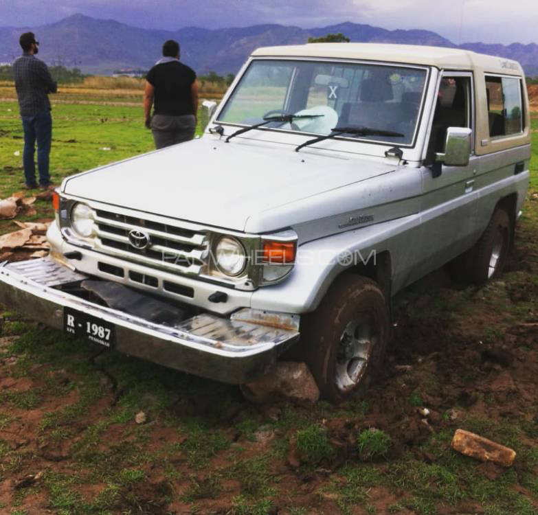 Toyota Land Cruiser - 1987  Image-1