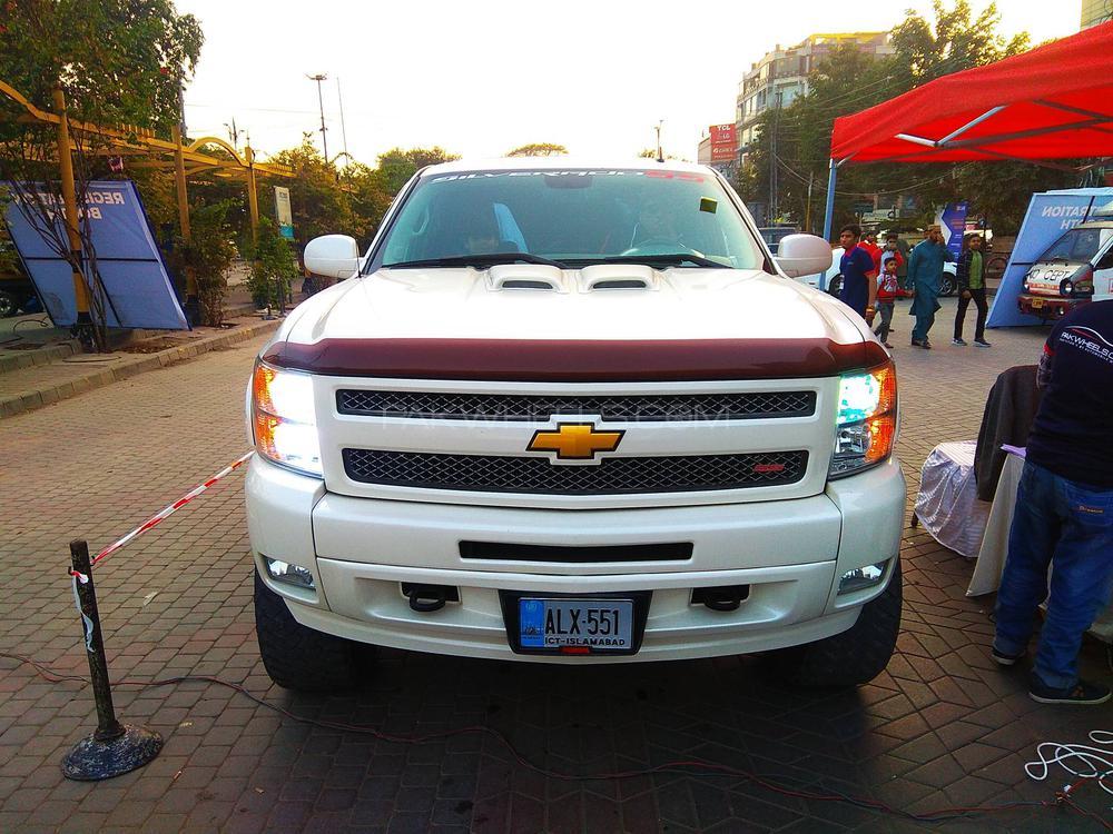 Chevrolet Silverado 2012 Image-1