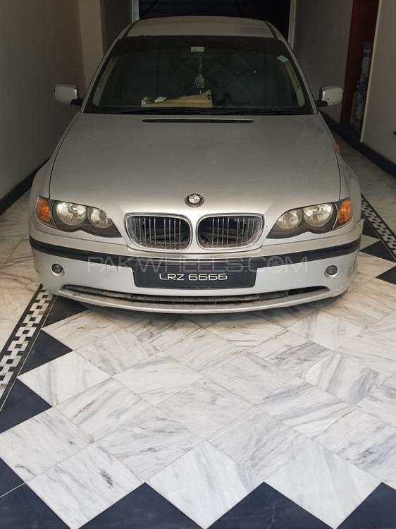 BMW 3 Series 316i 2004 Image-1