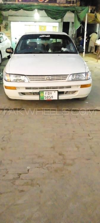 Toyota Corolla XE-G 2001 Image-1