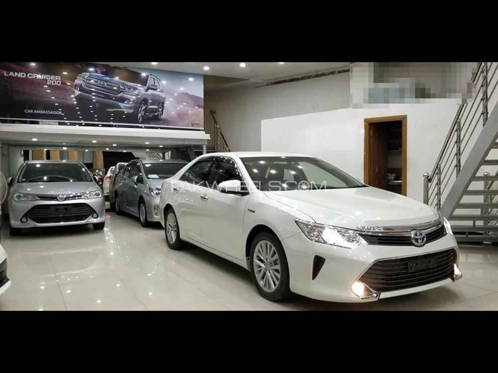 Toyota Camry - 2017  Image-1