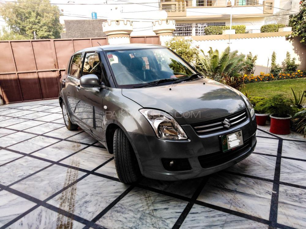 Suzuki Swift DLX Automatic 1.3 Navigation 2014 Image-1