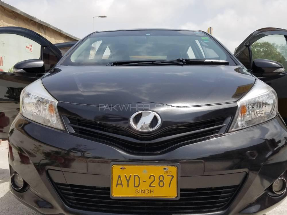 Toyota Vitz Jewela 1.0 2011 Image-1
