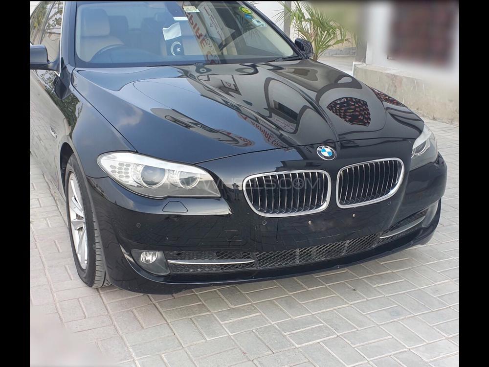 BMW 5 Series 520d 2011 Image-1