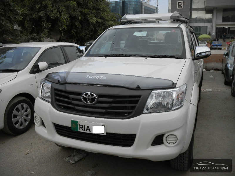 Toyota Hilux Vigo Champ Grade V 2013 for Sale - 3498564
