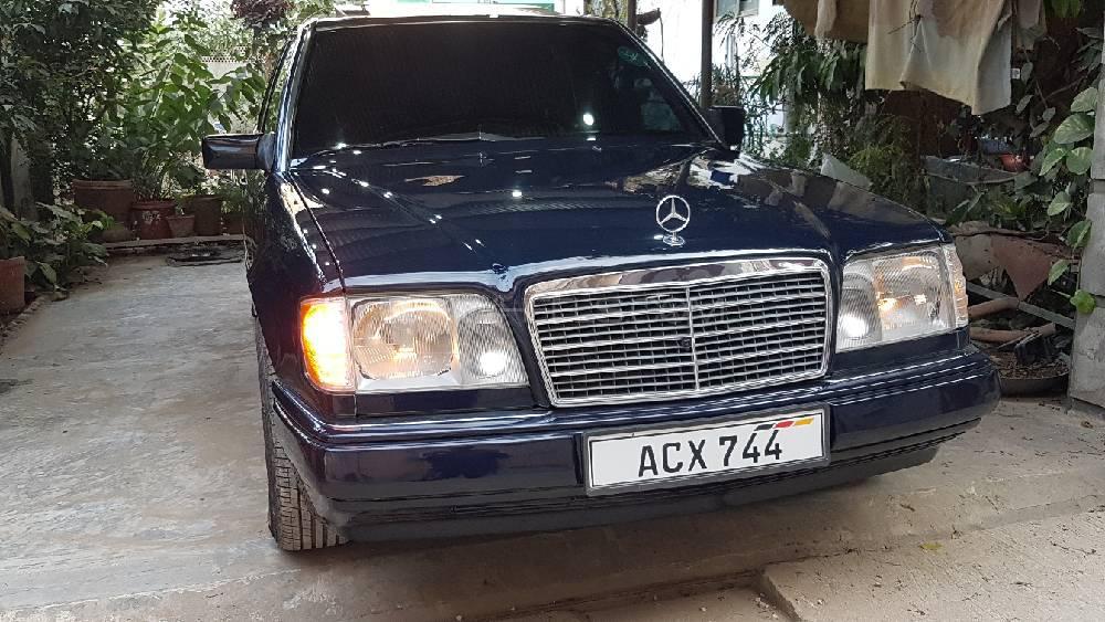 Mercedes Benz E Class E200 Exclusive 1995 Image-1