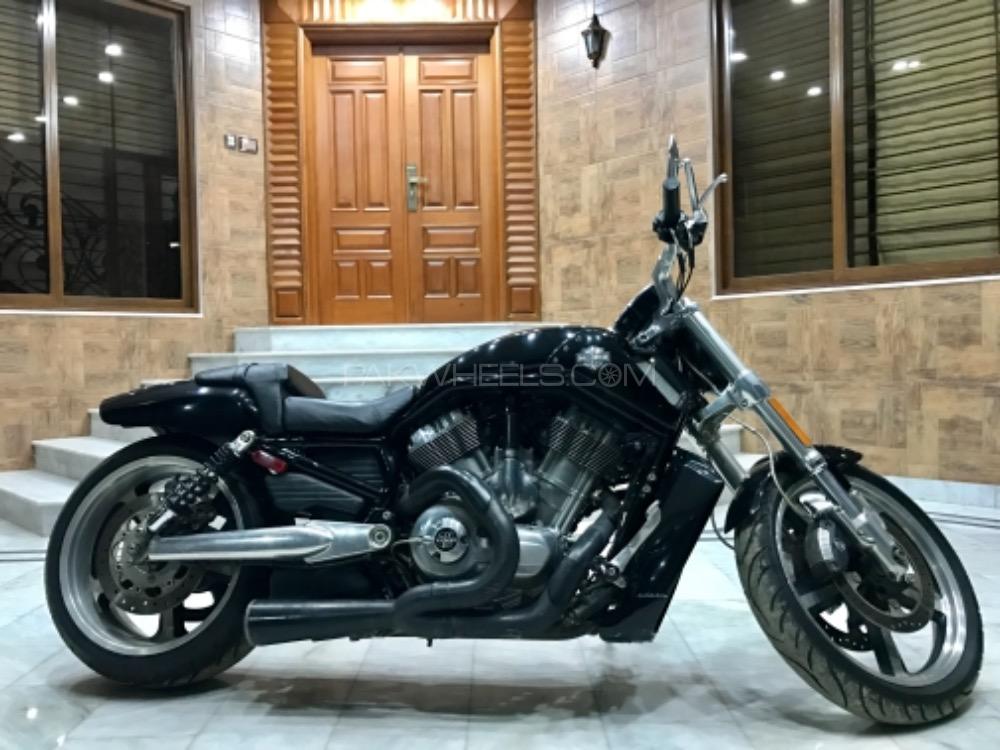 Harley Davidson V-Rod Muscle - 2011  Image-1