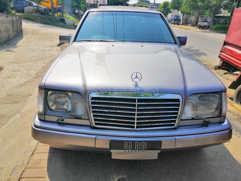Mercedes Benz E Class - 1995  Image-1