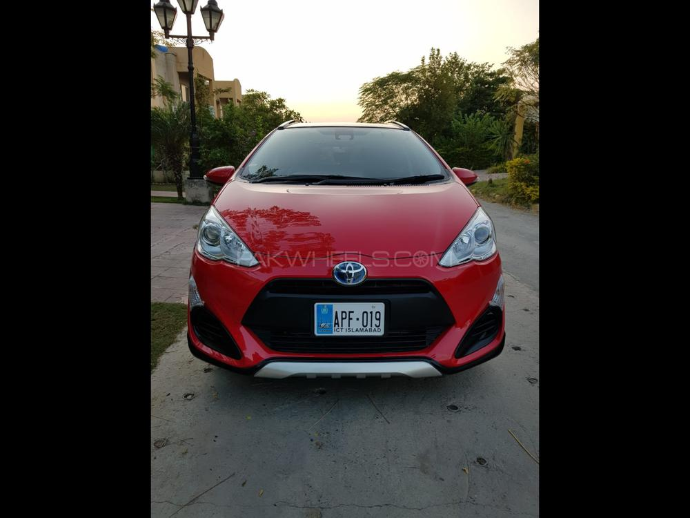 Toyota Aqua X Urban 2016 Image-1