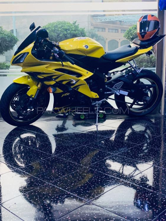 Yamaha YZF-R6 - 2008  Image-1