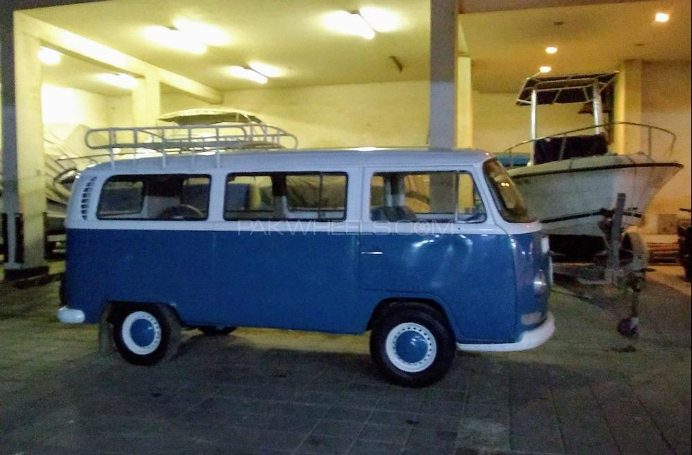 Volkswagen Micro Bus - 1971  Image-1