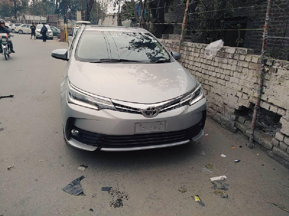 Toyota Corolla Altis CVT-i 1.8 2019 Image-1