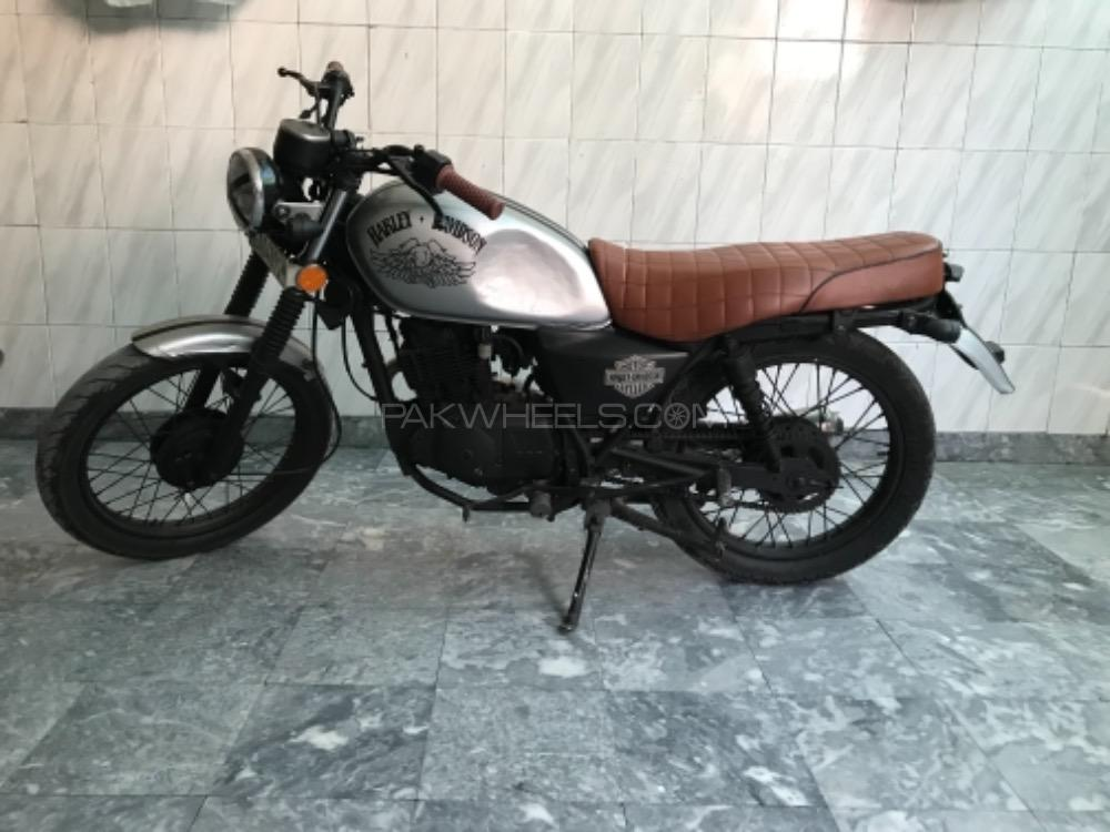 Suzuki GS 150 - 2014  Image-1