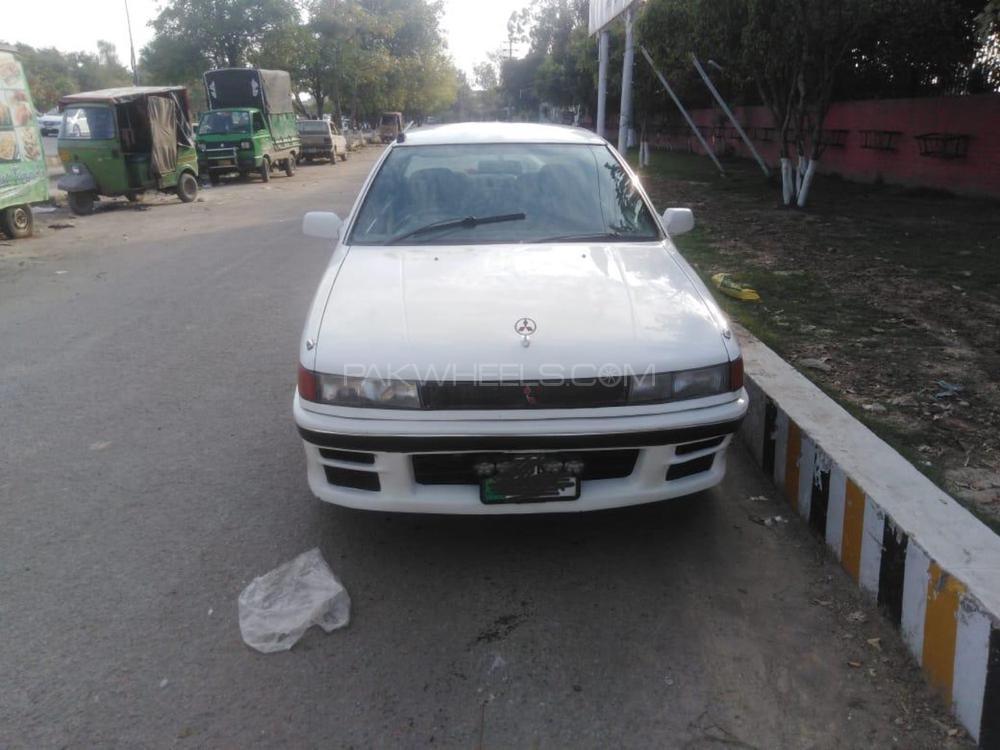 Mitsubishi Lancer GLX 1.3 1990 Image-1