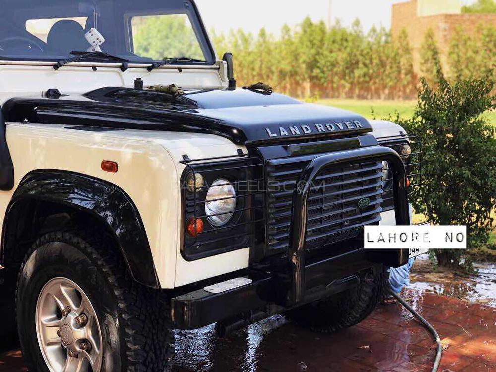 Land Rover Defender - 2015  Image-1