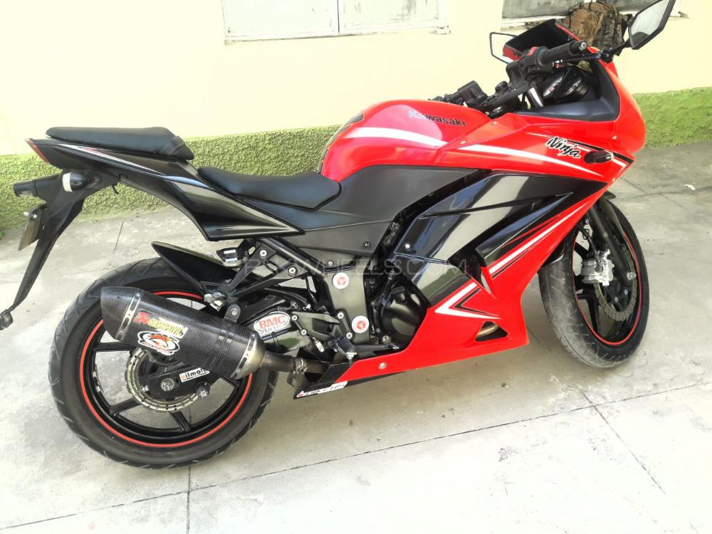 Kawasaki Ninja 250R - 2011  Image-1